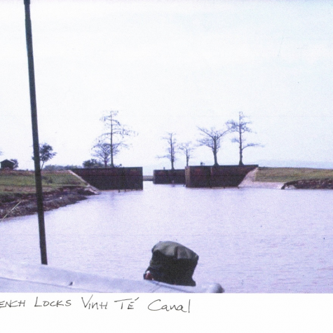 French Locks a Vinh Te Canal
