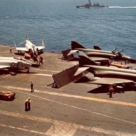 F-4_Phantoms_on_USS_Kitty_Hawk_(CVA-63)_in_1966